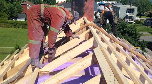Isolation d'une toiture résidentielle à Beauport